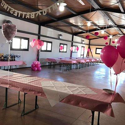 sala addobbata per una festa