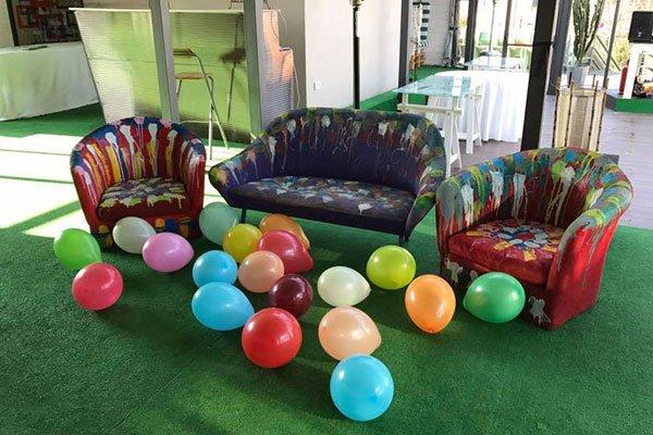 palloncini colorati a terra