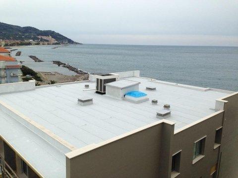 copertura ardesiata bianca Hotel Bellevue Diano Marina
