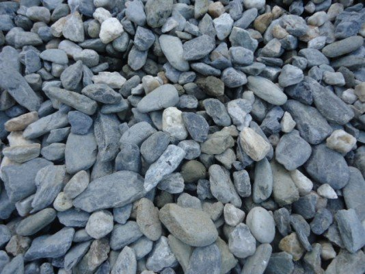 Rocks gravel north qld cairns raw materials for Smooth landscaping rocks