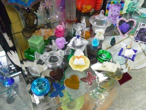 vendita oggetti in vetro colorato, regali in vetro dipinto
