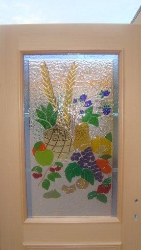 finestre in vetro colorato, vetrate decorate