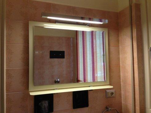 specchi in vetro da bagno, lampade decorative in vetro