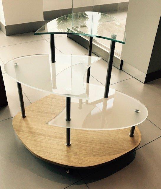 Mobiletto in vetro 3