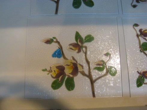 vetri dipinti, pareti in vetro
