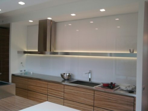 Schienale Cucina In Vetro. Cucina Laccato Opaco Bianco Piano In ...