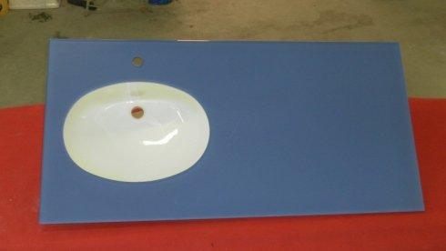 lavabo in vetro colorato, arredamento bagno in cristallo