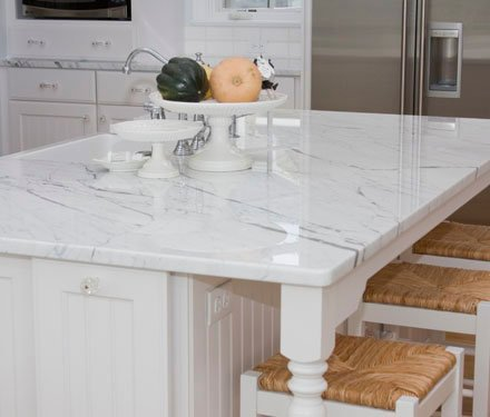 White marble dinning tabel
