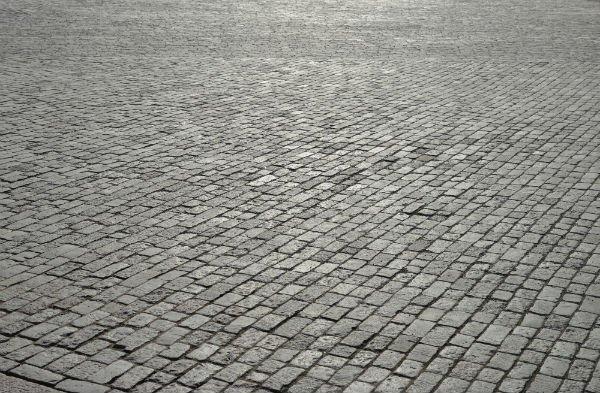 Pavimento esterno in porfido grigio