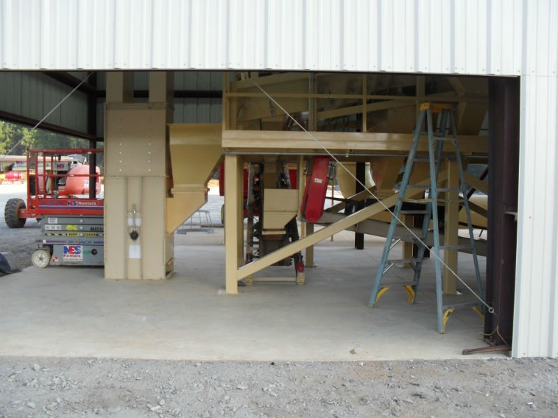 New facility being installed by agriculture contractors in Cairo, GA