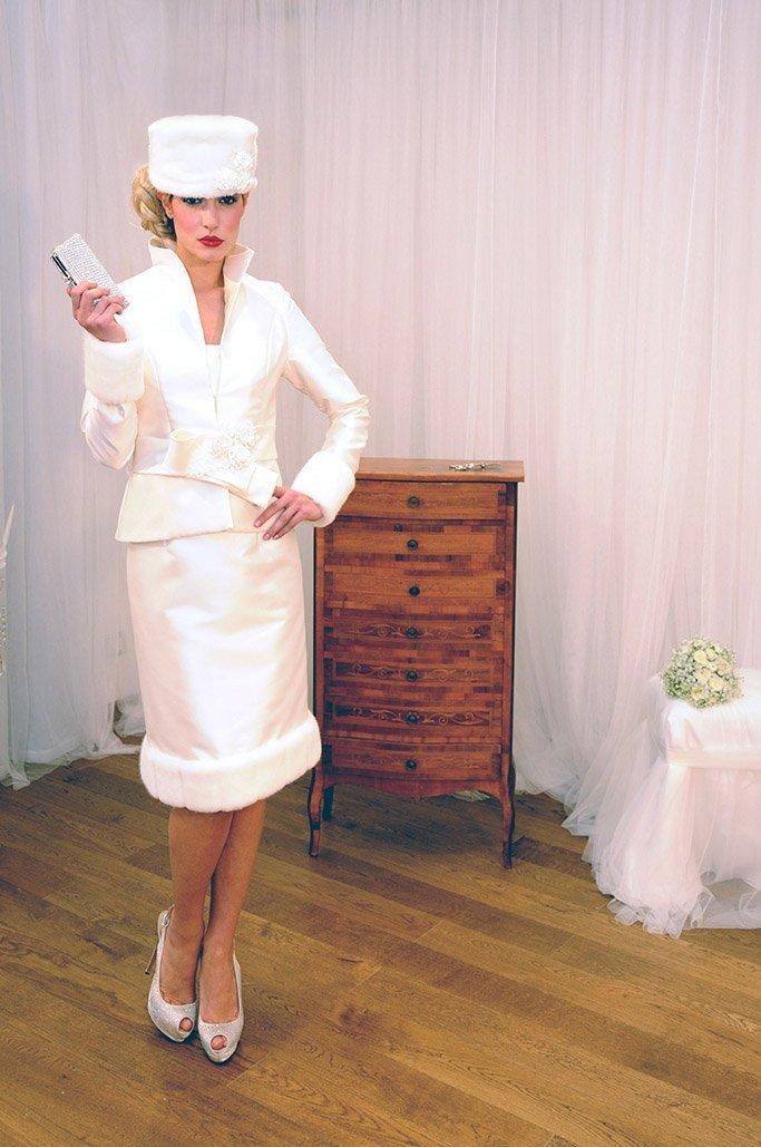 sposa con cappellino