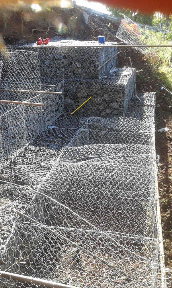 una rete metallica