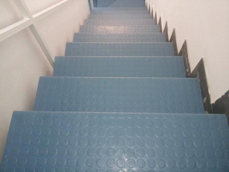 rivestimento scale in PVC