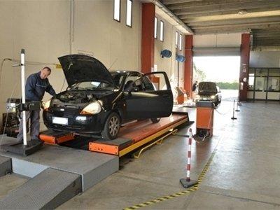 servizio revisione automobili