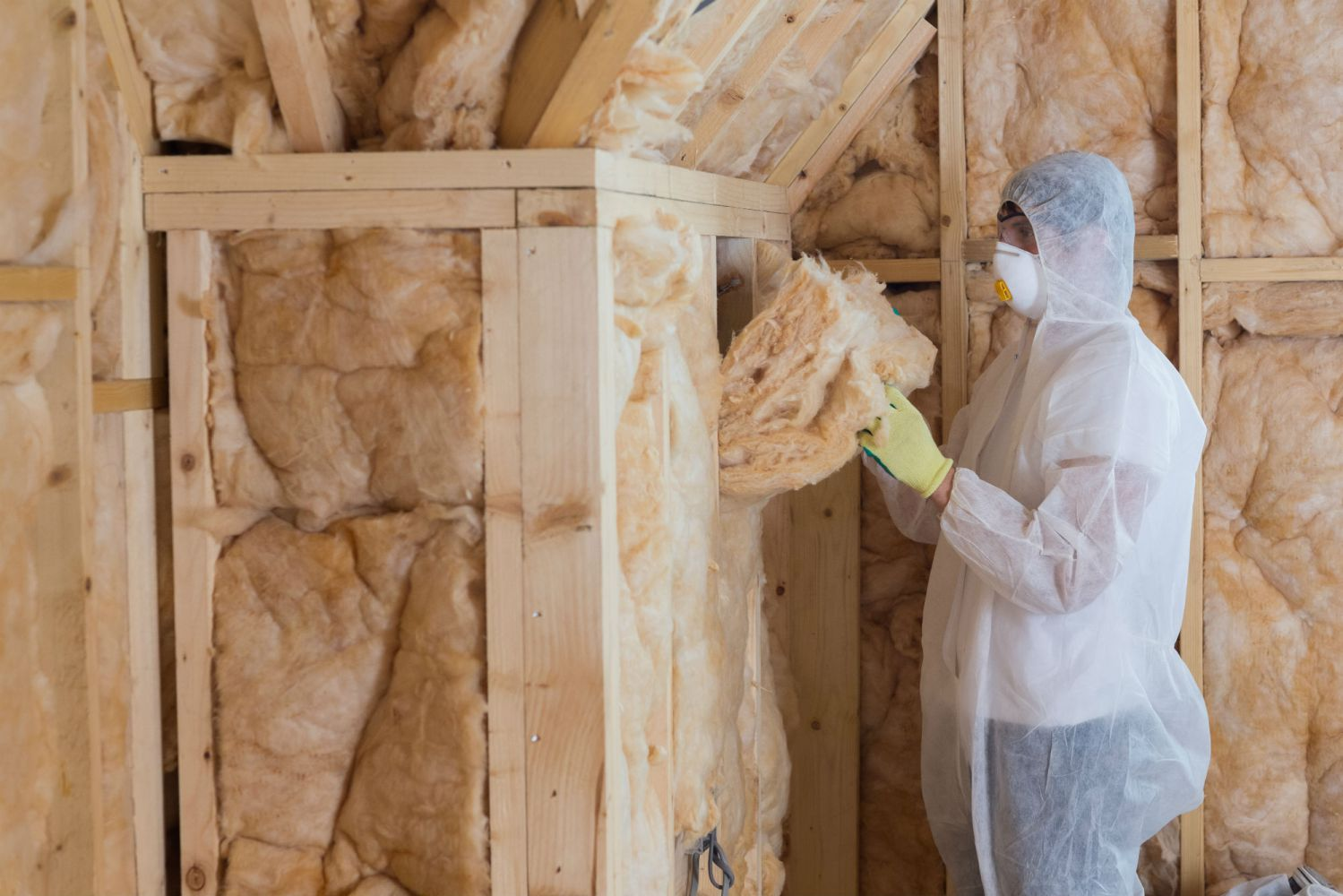 Providing energy saving through insulation home improvement services in Bolivar, MO