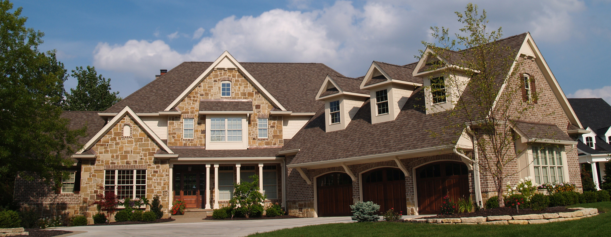 Fantastic roofing services by contractors in Moscow Mills, MO