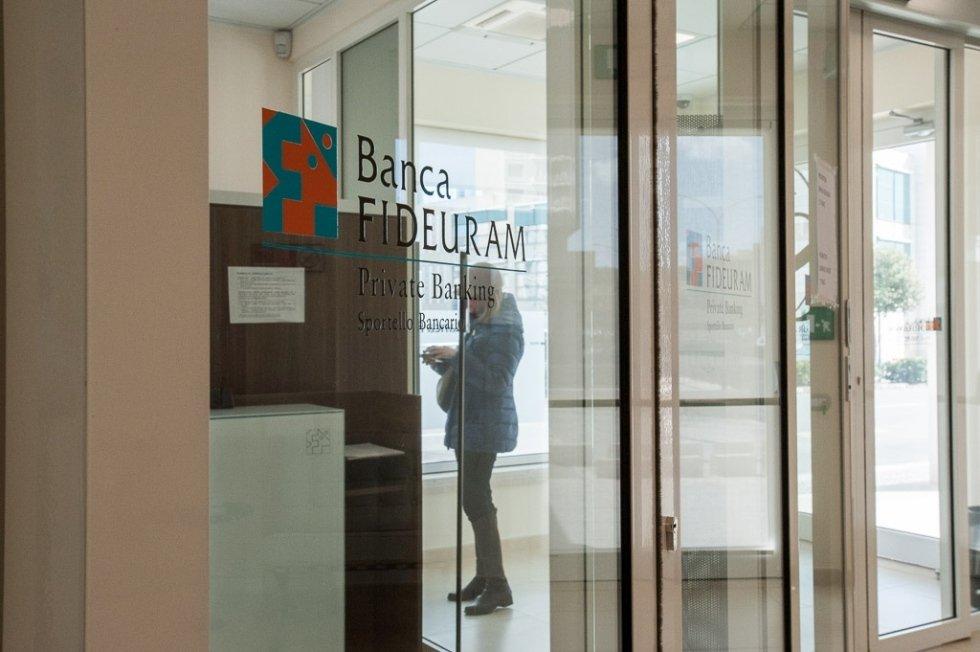 Realizzazione Serramenti Banca Fideuram