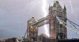 Londra, fulmine, ponte