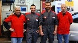 team, operai, meccanici, titolari