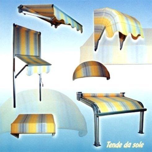 delle tende e dei lettini da sole
