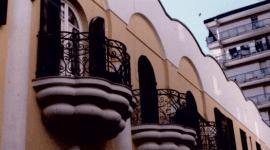 balconcini con delle ringhiere