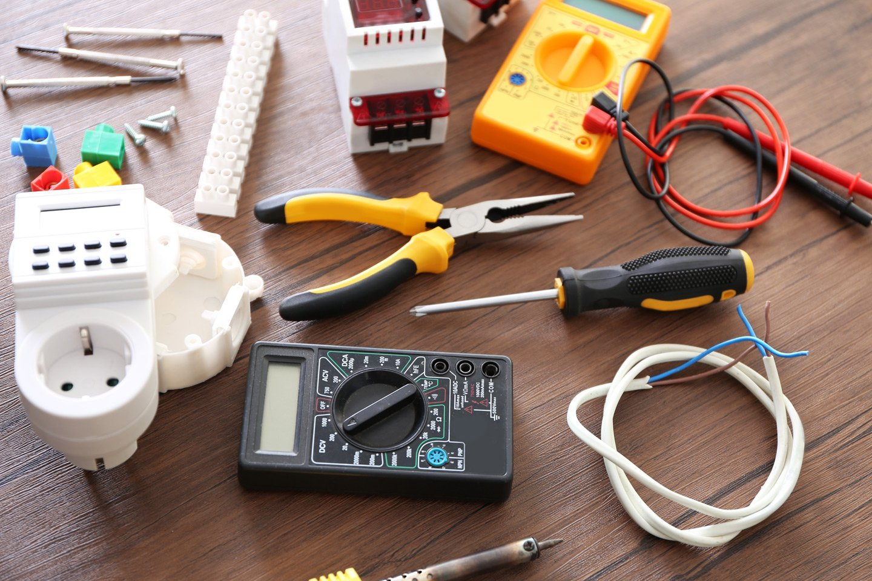 strumenti per riparazione ed allestimento eventi
