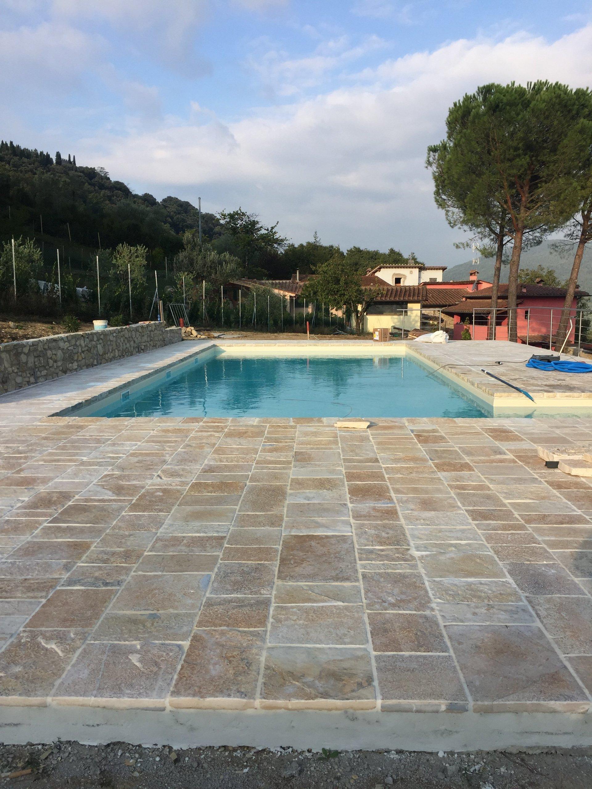 Realizzazione piscine firenze aqva service - Piscine interrate firenze ...