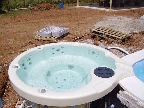 piscina rotonda in vetroresina