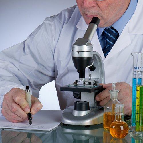 analisi delle urine al microscopio