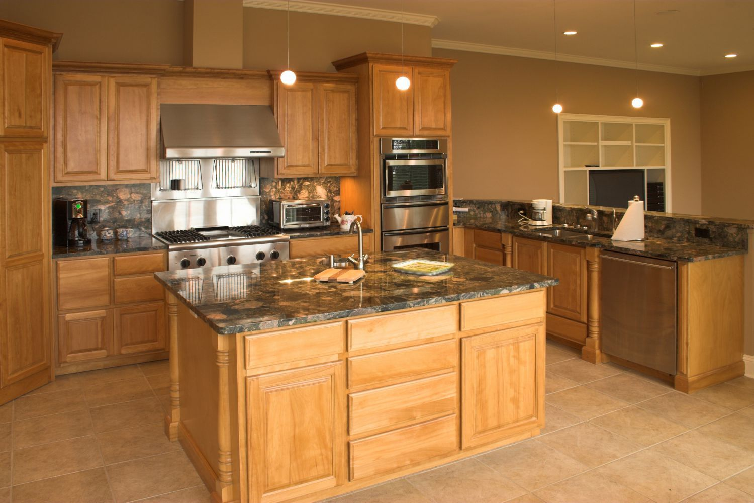 Kitchen cabinet supplies in cincinnati oh huber lumber co for Cincinnati kitchen cabinets