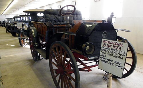 vintage automobiles - Space Farms Auto Museum