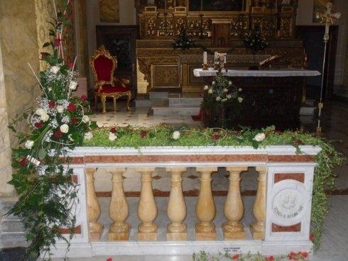 composizioni floreale per allestimento chiesa