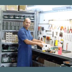 riparazione macchine per ricamo e taglia cuci