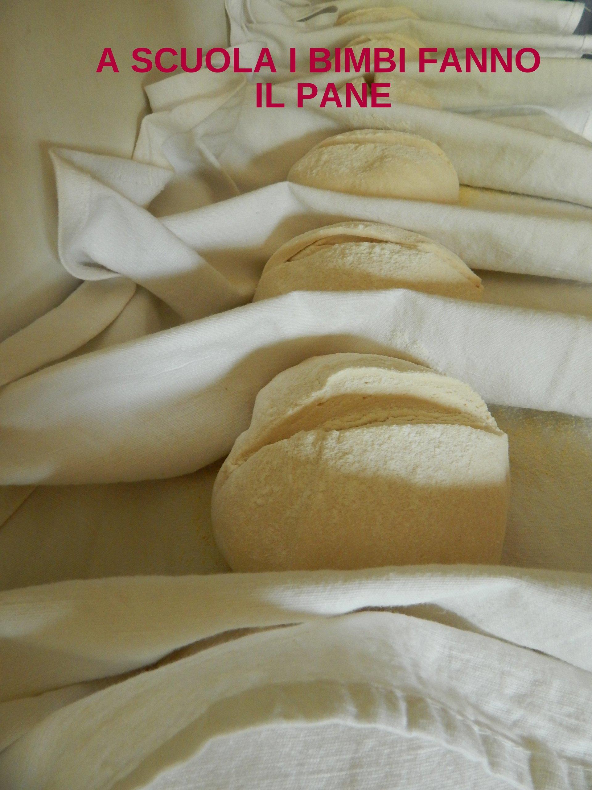 a scuola i bimbi fanno il pane