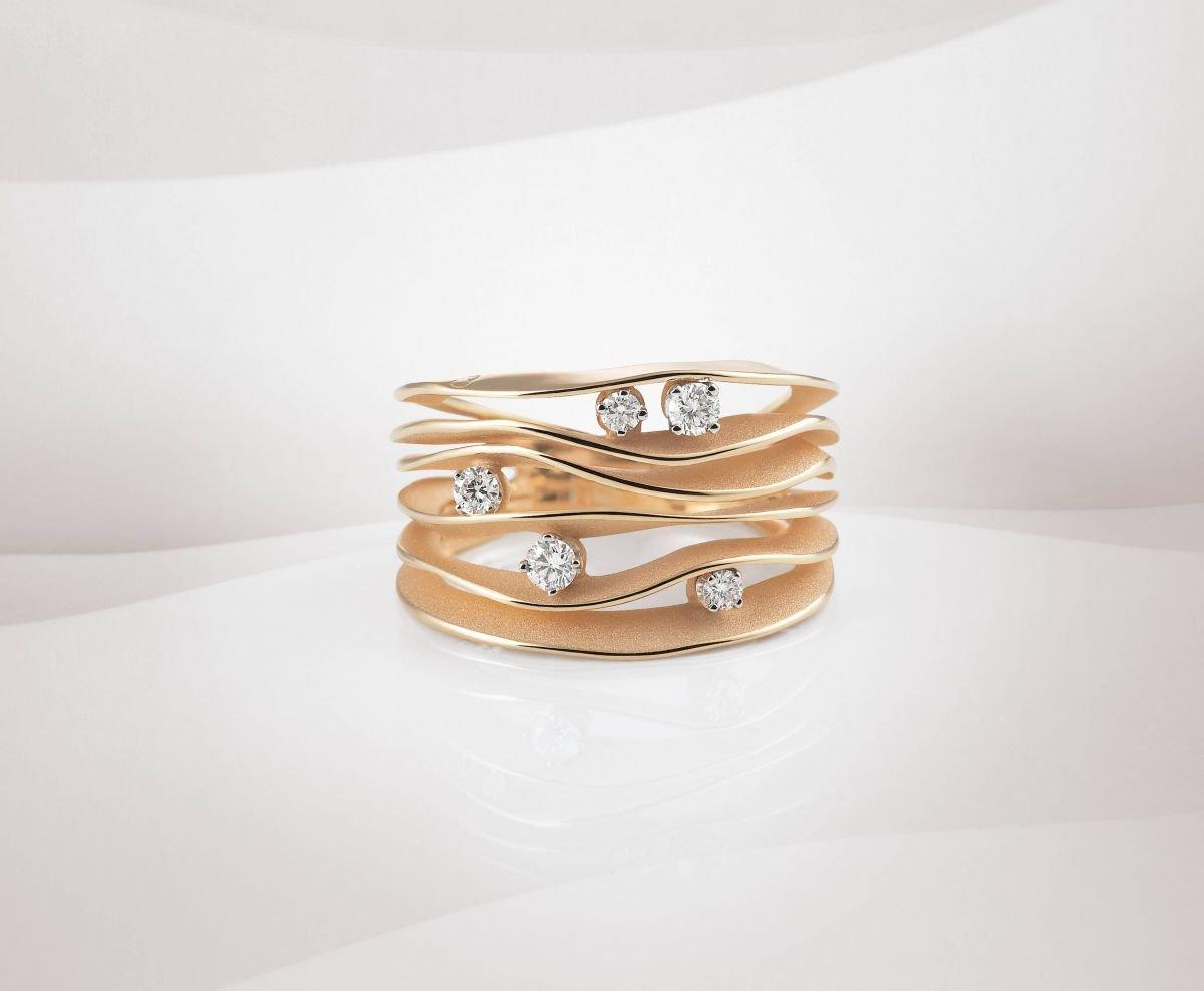 anello in oro bianco
