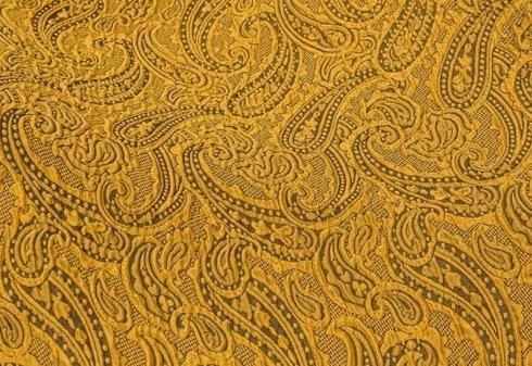 tessuto ocra con decorazioni cachemire in rilievo