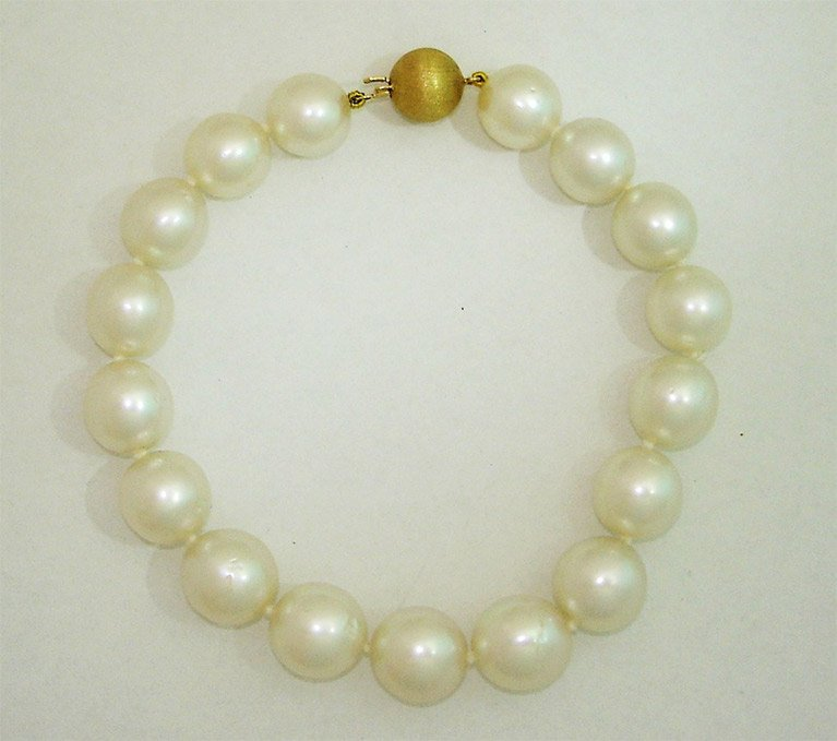 girls love pearls gold clasp
