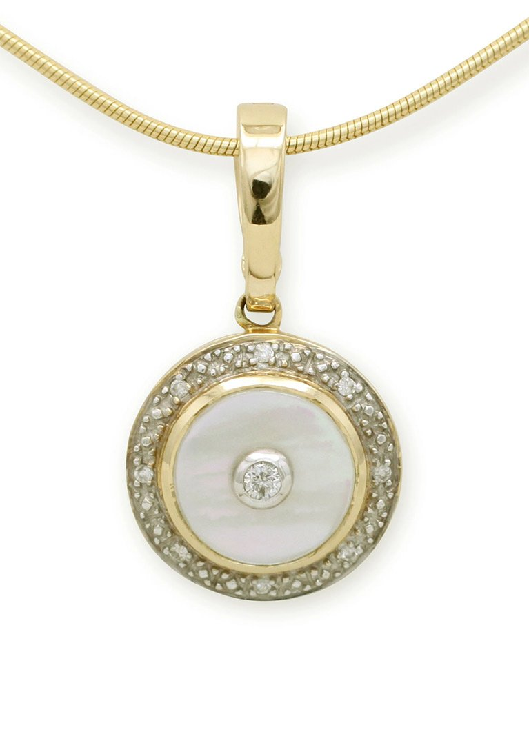 girls love pearls round mother of pearl diamond enhancer