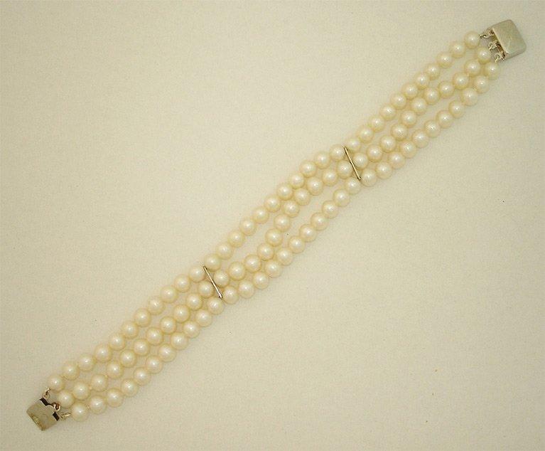 girls love pearls silver triple row