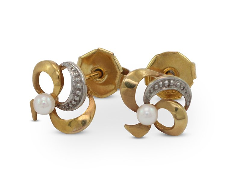 girls love pearls white akoya bow design stud earrings