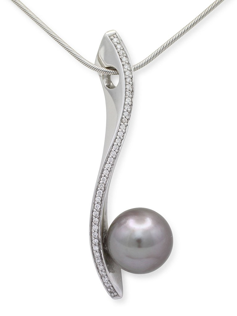 girls love pearls white gold round light grey round tahitian pearl