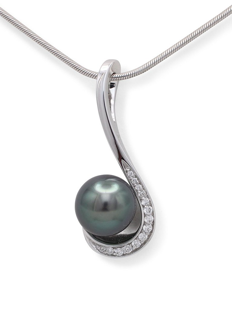 girls love pearls white gold round tahitian pearl and diamond set