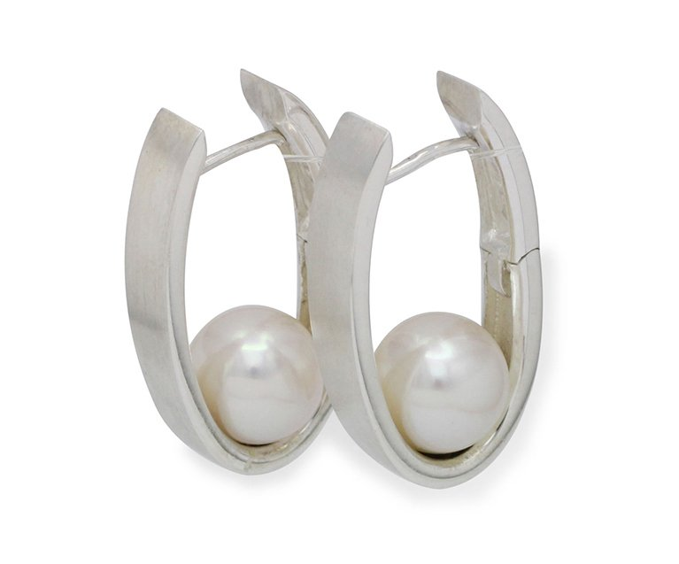 girls love pearls white round fresh water pearl oval silver huggie earrings