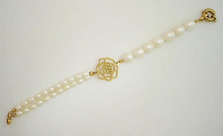 girls love pearls yellow gold