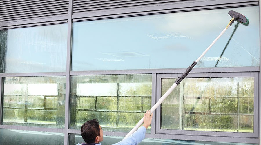 building exterior window cleaning