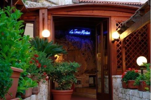 Entrata ristorante La tana marina