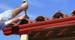 manutenzione case civili, lattonieri, tegole danneggiate