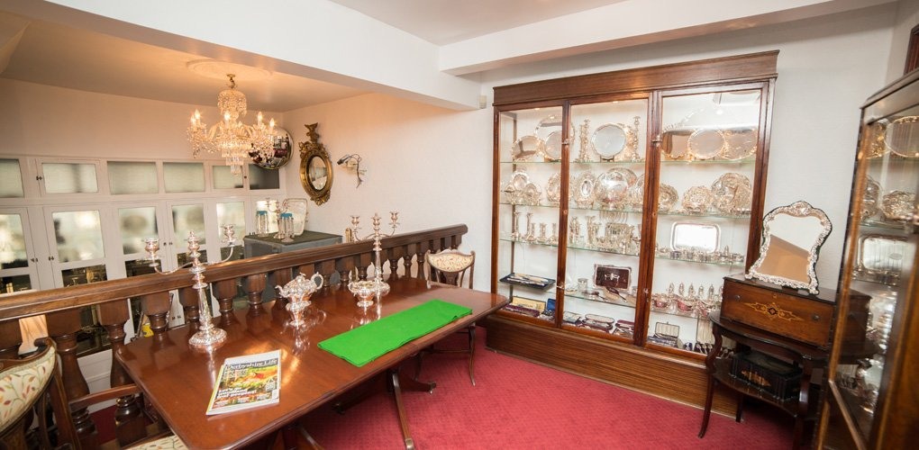 Antique Jewellery Showcase