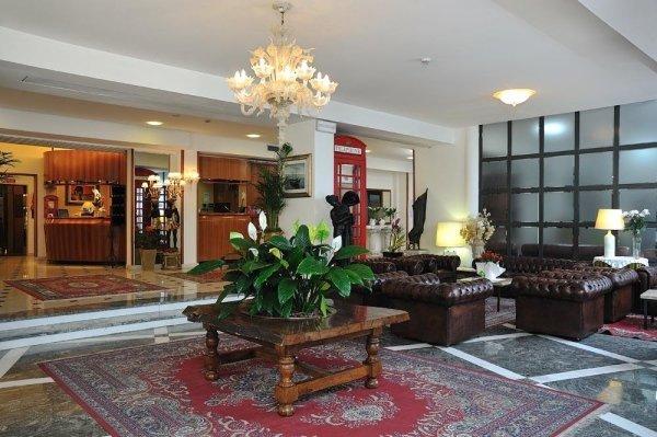 Hall Hotel Bristol