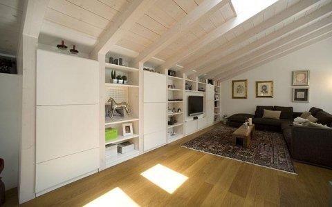 mobili in legno per mansarde, libreria, mobili a parete